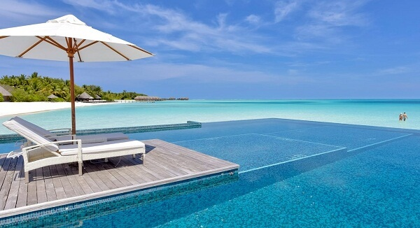 Conrad Maldives Pool