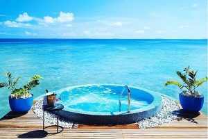 Jacuzzi @ Velaa Private Island Resort Maldives