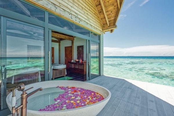Movenpick Resort Kuredhivaru Maldives